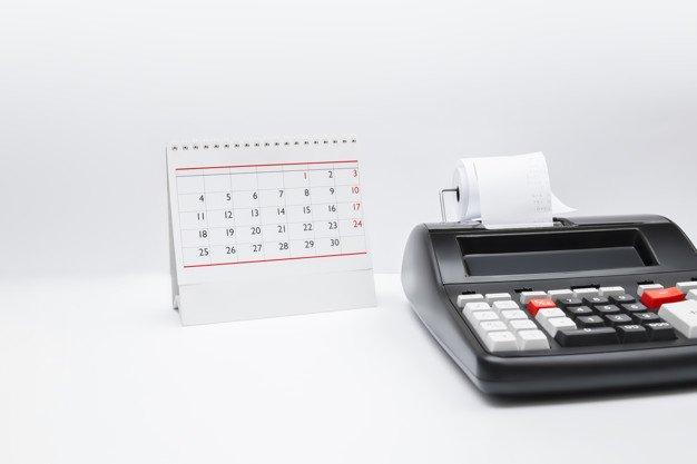 https://thuedungnguyen.vn/wp-content/uploads/2020/01/accounting-calculator-with-tax-button-table-calendar-tax-time-payment-deadline-business-concept-copy-space_100886-553.jpg