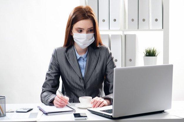https://thuedungnguyen.vn/wp-content/uploads/2020/03/sick-businesswoman-protective-medical-mask-office_112337-1727.jpg
