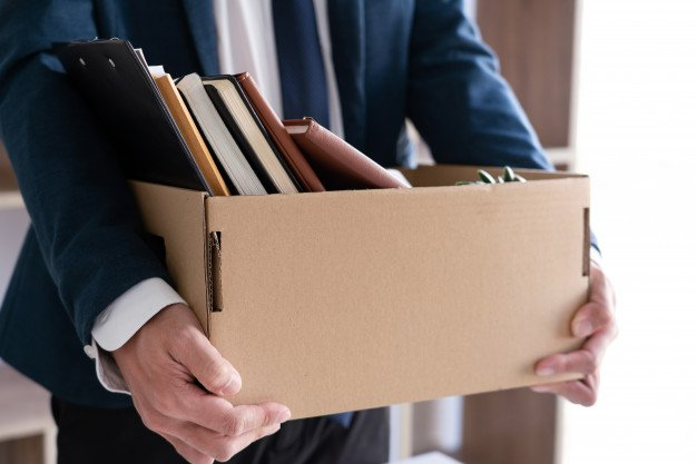 https://thuedungnguyen.vn/wp-content/uploads/2020/09/businessmen-are-holding-resignation-document-packing-personal-company-brown-cardboard-box-changing-work-resign-concept_1423-3712.jpg